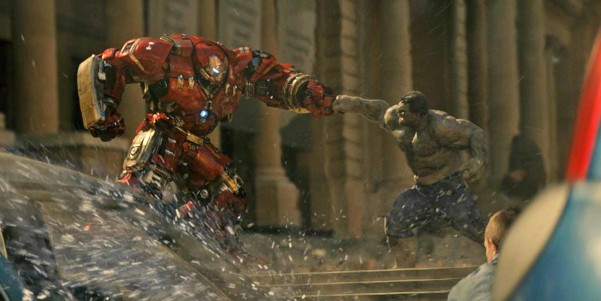Hulk-fighting-Iron-Man-in-Age-of-Ultron